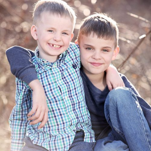 Brothers-2098862_1920